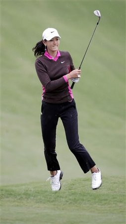 Michelle Wie jumping of join
